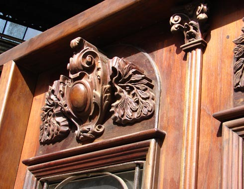 amazing high relief hand carved details